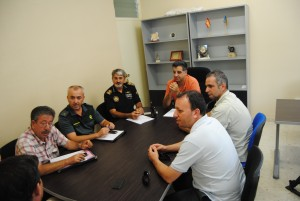 Ayuntamiento de Novelda 2012-09-24-GONZALO-reunion-vigilancia-rural-6-300x201 La Policía Local se dota de un sistema de localización GPS para reducir el tiempo de respuesta en los cultivos de uva y en las más de 2.100 viviendas del extrarradio