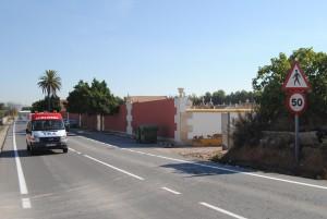 Ayuntamiento de Novelda Carretera-cementerio-300x201 Carreteras limita la velocidad y advierte del tránsito de peatones en el tramo de la vía que hay junto al cementerio con el fin de reducir la alta siniestralidad