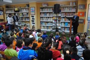 Ayuntamiento de Novelda Dia-bibliotecas-1-300x201 Novelda celebra el Día de las Bibliotecas con talleres, juegos y lectura de poemas de Gloria Fuertes