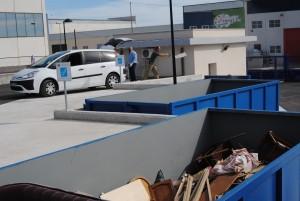 Ayuntamiento de Novelda Ecoparque-primer-mes-300x201 El Ecoparque de Novelda recoge en su primer mes de funcionamiento más de diez toneladas de escombros