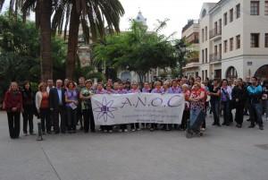 Ayuntamiento de Novelda contra-en-cancer-300x201 Medio centenar de mujeres participan en una marcha para conmemorar el día contra el cáncer de mama