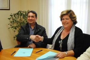 Ayuntamiento de Novelda DSC_0108-300x201 La alcaldesa firma con la asociación Capaz el convenio de colaboración con una subvención de 115.200 €