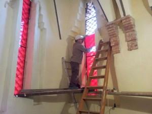 Ayuntamiento de Novelda Vidrieras-1-300x225 El Ayuntamiento protege el camarín de Santa María Magdalena en el santuario reutilizando las antiguas vidrieras de este emblemático lugar