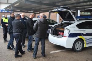 Ayuntamiento de Novelda DSC_1684-300x200 La policía local de Alicante se interesa por los avances que incorpora Novelda a sus vehículos policiales