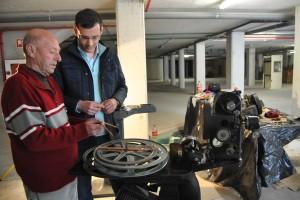 Ayuntamiento de Novelda DSC_0323-300x200 Cuarenta y cinco años después de que dejaran de funcionar, la concejalía de Cultura inicia la restauración de las máquinas de cine del antiguo María Guerrero