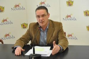 Ayuntamiento de Novelda DSC_2038-300x200 El Ayuntamiento de Novelda modifica más de 600 partidas de su presupuesto y elaborará un segundo Plan de Ajuste para lograr la estabilidad de sus cuentas