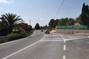 Ayuntamiento de Novelda DSC_0398-300x200 La Diputación refuerza la señalización en la subida a La Mola para una mayor seguridad en los accesos a esta zona