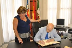 Ayuntamiento de Novelda DSC_0678-300x200 El presidente del Consell Valencià de Cultura y la alcaldesa descubren una placa en homenaje a Jorge Juan