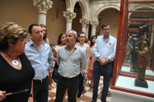 Ayuntamiento de Novelda DSC_7732-300x200 La alcaldesa inaugura una exposición de esculturas sobre Santa María Magdalena, patrona de Novelda