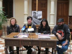 Ayuntamiento de Novelda IMG_4220-300x225 Poesía urbana a ritmo de rock