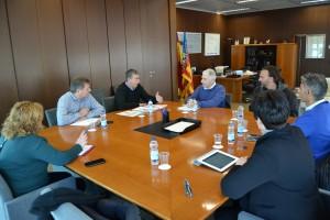 Ayuntamiento de Novelda Reunión-Economía-300x200 Representantes del equipo de gobiernose reúnen con el conseller de Economía para buscar una solución a la obra inacabada del Instituto Tecnológico del Mármol