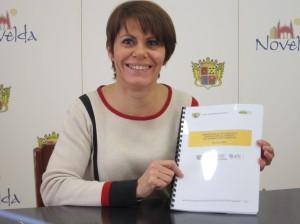 Ayuntamiento de Novelda IMG_4651-300x224 La concejala de Comercio presenta el balance de la AFIC