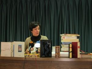 Ayuntamiento de Novelda IMG_5346-300x224 La Biblioteca Municipal de Novelda recibe un lote de libros de los fondos de Generalitat.