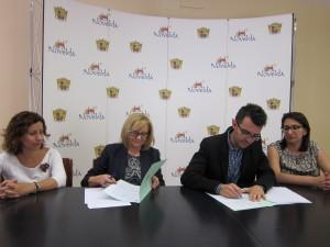 Ayuntamiento de Novelda IMG_7630-300x225 El Ayuntamiento firma un convenio con el Colegio de Abogados para facilitar el asesoramiento en caso de riesgo de desahucio