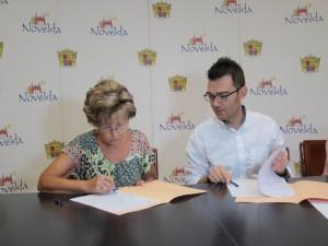 Ayuntamiento de Novelda Convenio-Anoc-300x225 El Ayuntamiento formaliza los convenios de colaboración con ANOC y Fibromialgia