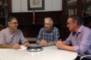 Ayuntamiento de Novelda Reunión-300x199 El Alcalde y el concejal de Cultura proponen al Instituto de Cultura Gil Albert que sus actividades lleguen a Novelda