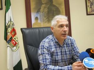 Ayuntamiento de Novelda IMG_2529-300x225 El Ayuntamiento inicia el pago de la segunda fase de la Xarxa Llibres