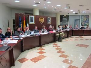 Ayuntamiento de Novelda IMG_2825-300x225 El pleno guarda un minuto de silencio por el fallecimiento de  los exconcejales Daniel Monzó y Progreso Sabater