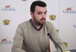 Ayuntamiento de Novelda jordi-mini-300x205 El concejal Jordi Miralles dona a Adoptamics su retribución por participar en el Consorcio de Bomberos