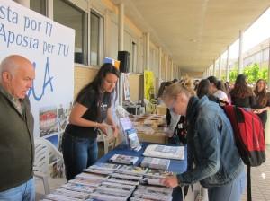 Ayuntamiento de Novelda IMG_5619-300x224 Centenares de estudiantes visitan la Feria de Formación y Empleo