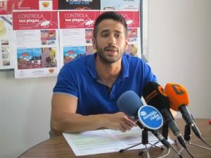 Ayuntamiento de Novelda IMG_6825-300x224 Sanidad y Medio Ambiente ponen en marcha la campaña Controla tus Plagas