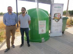 Ayuntamiento de Novelda IMG_7625-300x224 Medio Ambiente y Ecovidrio fomentan el reciclado de vidrio durante las fiestas