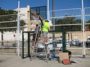 Ayuntamiento de Novelda IMG_8909-300x224 Deportes instala nuevas canastas y porterías en La Jaula