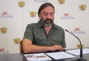 Ayuntamiento de Novelda sub-mini-300x204 El Ayuntamiento abona 86.000 euros a  asociaciones  en concepto de subvenciones pendientes desde 2010