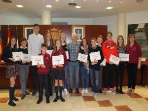 Ayuntamiento de Novelda Reconocimiento-mini-300x225 El Ayuntamiento reconoce a los alumnos destacados con el Premio al Rendimiento Académico del pasado curso