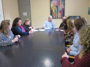 Ayuntamiento de Novelda convenio-ayto-300x225 El Ayuntamiento y las AMPA's firman los convenios para la financiación de los Juegos Escolares