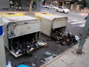 Ayuntamiento de Novelda quema-01-300x225 Prenden fuego a 36 contenedores diseminados en  diferentes puntos del casco urbano y extrarradio