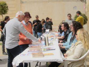 Ayuntamiento de Novelda firma-ayto-300x225 Escritores locales promocionan su obra con una firma colectiva de ejemplares
