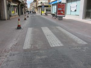 Ayuntamiento de Novelda pavimento-ayto-300x225 La calle  Emilio Castelar mantendrá el pavimento fratasado