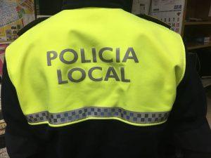 Ayuntamiento de Novelda poli-300x225 Policía Local identifica a diez personas por actos vandálicos en las Piscinas Municipales