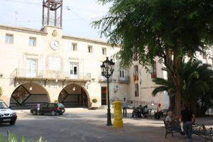 Ayuntamiento de Novelda IMG_0156-mini-300x200 El Ayuntamiento estrena reglamento de protocolo y honores