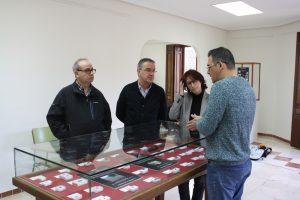 Ayuntamiento de Novelda IMG_7507-ayto-300x200 El Centro Cultural Gómez-Tortosa acoge la exposición Fragmentos de otros mundos