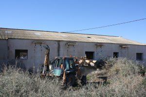 Ayuntamiento de Novelda IMG_8373-300x200 El Ayuntamiento sella los dos pozos localizados en una antigua fábrica de mármol