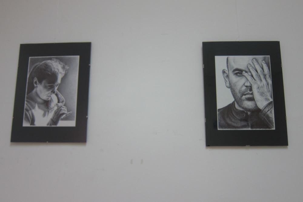 Ayuntamiento de Novelda IMG_8176-ayto Retratos, de Pedro Luis López Llorens, en el Centro Cultural Gómez-Tortosa